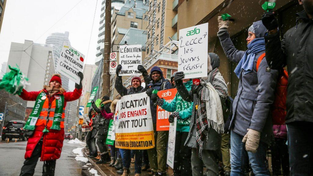 Les 12 000 enseignants des écoles françaises de l'Ontario sont en grève